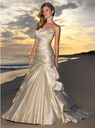f74bbfe0 Se kul med stranden bryllup brudekjoler | kisiri0917