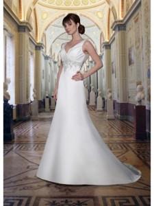 a-line V-hals kapell tog satin brudekjole