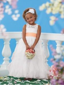 ball kjole ren fotside blonder og satin blomsterpike kjole